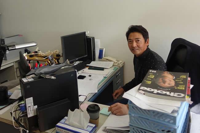 (学)日本医科大学 日本獣医生命科学大学 運動科学教室の濵部教授。動作解析の専門家であり、パッティングの転がりを研究テーマのひとつとしている