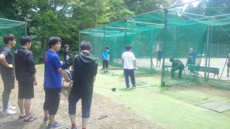 ゴルフ用ネットでのスイング技術練習